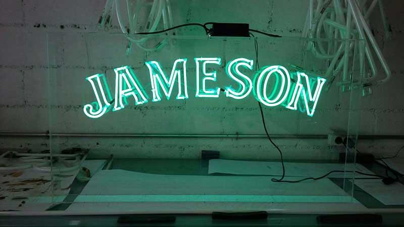 Rótulo de Letras en Neon